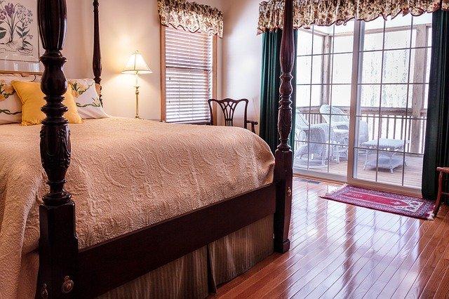 Hľadáte tiché, bezpečné a spoľahlivé sklenené posuvné dvere?