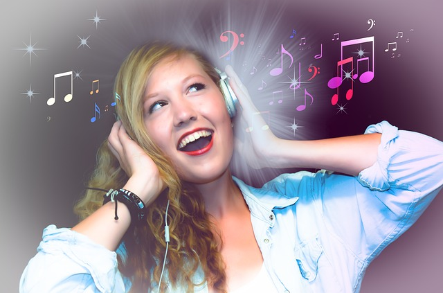 dívka a hudba